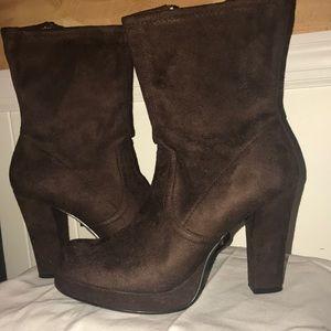 Bongo Boots